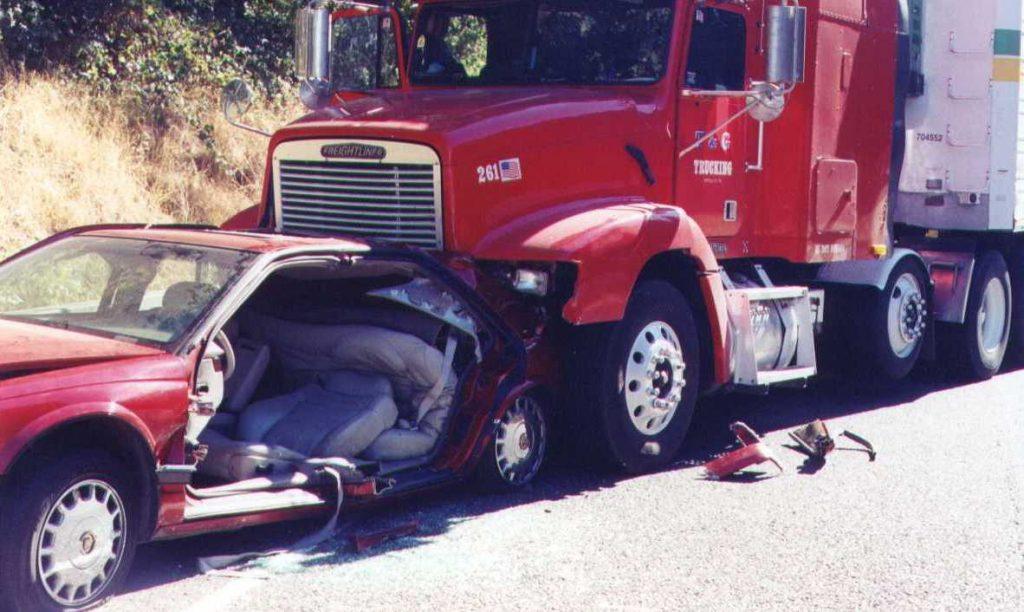 El Mejor Bufete Legal de Abogados de Accidentes de Semi Camión, Abogados Para Demandas de Accidentes de Camiones Monrovia California