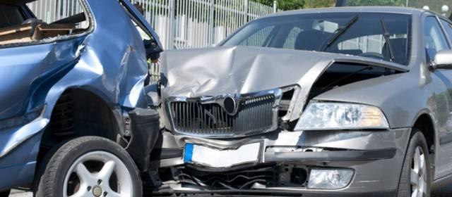 Consulta Gratuita en Español Cercas de Mí con Abogados de Accidentes y Choques de Autos y Carros en Monrovia California