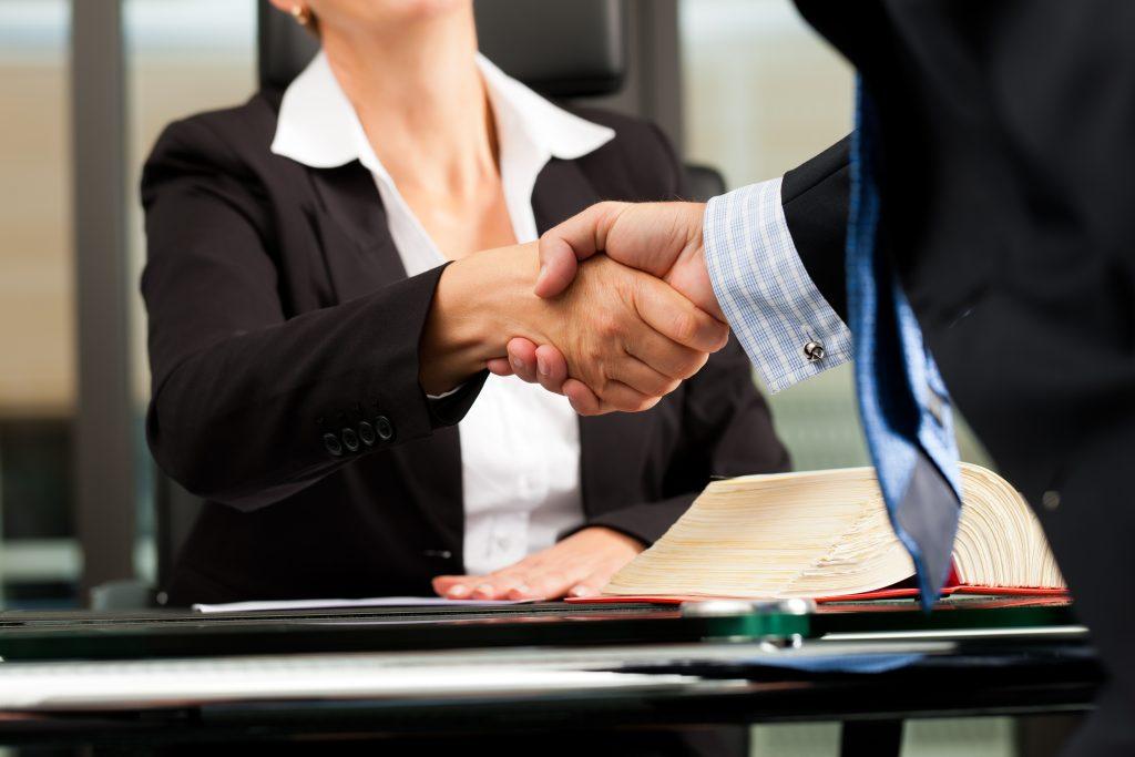 La Mejor Firma Legal de Abogados en Español de Acuerdos en Casos de Compensación Laboral, Mayor Compensación de Pago Adelantado en Monrovia California
